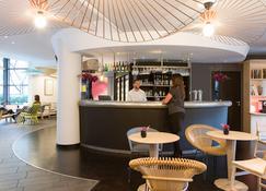 Novotel Suites Paris Rueil-Malmaison - Rueil-Malmaison - Bar