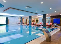 Elegance Resort Hotel Spa Wellness-Aqua - Yalova - Pool