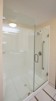 Fairfield Inn & Suites by Marriott Charleston North/Ashley Phosphate - North Charleston - Bathroom