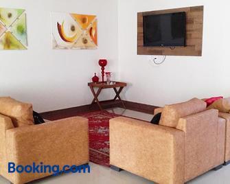 Flat No Melhor Do Rio Quente 800m Hot Park - Rio Quente - Living room