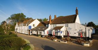 Lifeboat Inn - Hunstanton - Building