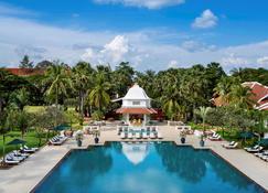 Raffles Grand Hotel d'Angkor - Сием Реап - Бассейн