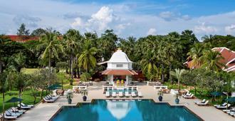 Raffles Grand Hotel d'Angkor - Siem Reap - Piscina