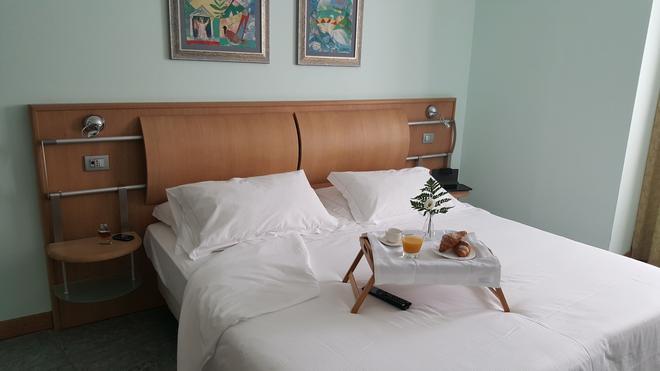 Marina Palace Hotel & Congress Hall - Catania - Bedroom