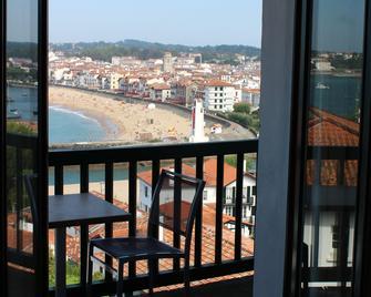 Hotel Agur Deneri - Ciboure - Balcony
