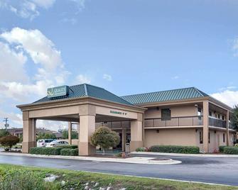Quality Inn & Suites - Franklin - Building