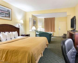 Quality Inn & Suites - Franklin - Schlafzimmer