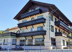 Hotel-Restaurant Pappel - Baiersbronn - Rakennus