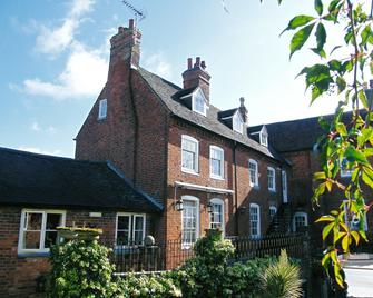 The Greyhound Coaching Inn - Lutterworth - Gebouw
