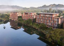 Atta Lakeside Resort Suite - Pak Chong - Building
