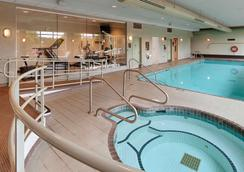 Best Western Plus Mission City Lodge - Mission - Pool