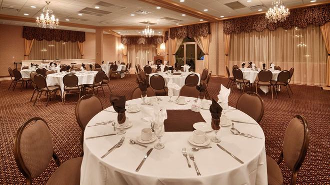 Best Western Plus Mission City Lodge - Mission - Banquet hall
