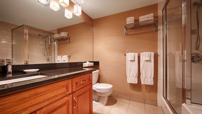 Best Western Plus Mission City Lodge - Mission - Bathroom