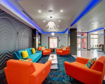Best Western PLUS The Inn & Suites at Muskogee - Muskogee - Salónek