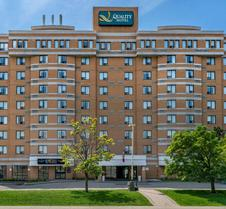 Quality Hotel & Suites Montreal East