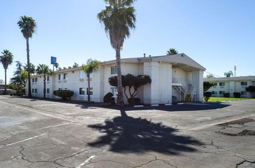 Motel 6 Merced Ca - Merced - Rakennus