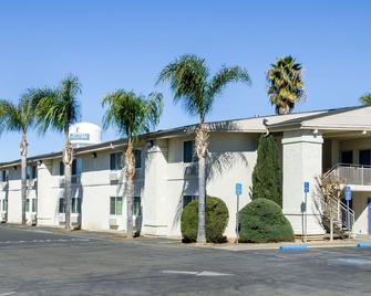 Motel 6 Merced, CA - Мерсед - Здание
