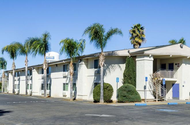 Motel 6 Merced Ca - Merced - Building