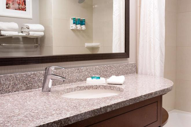 Drury Inn St. Louis at Union Station - St. Louis - Bathroom