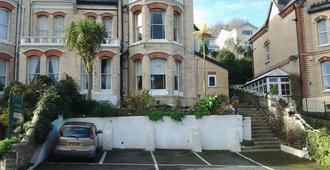 Strathmore Guest House - Ilfracombe - Building