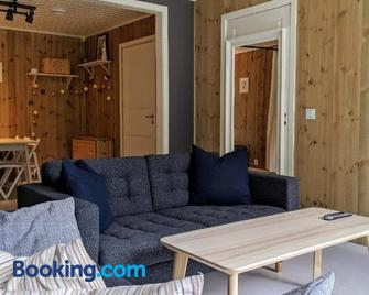 Apartment with panoramic view - Flåm - Living room
