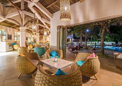 Sailing Club Resort Mui Ne - Фантьет - Пляж