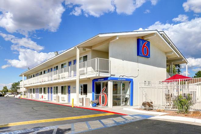 Motel 6 Santa, FE - Santa Fe - Building