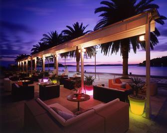 里瓦哈瓦爾遊艇港灣酒店 - 赫瓦爾 - 赫瓦爾 - 酒吧