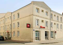 Ibis Rochefort - Rochefort - Building
