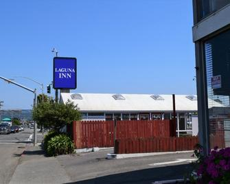 Laguna Inn - Eureka - Building