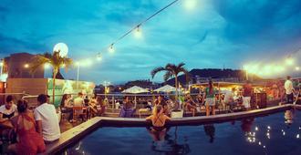 Selina Casco Viejo Panama City - Ciudad de Panamá - Piscina