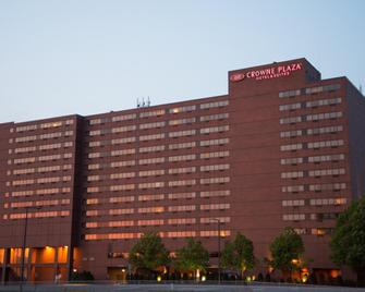 Crowne Plaza Aire Msp Airport - Mall Of America - Bloomington - Building