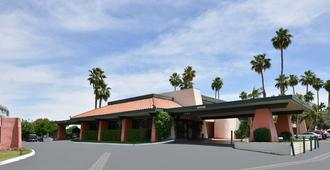 Travelodge By Wyndham Palm Springs - Palm Springs - Building