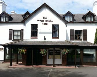 White House Hotel - Telford - Building