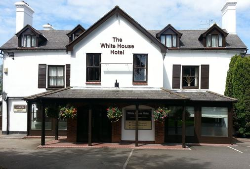 The White House Hotel - Telford - Building