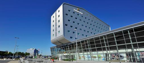 Tulip Inn Eindhoven Airport - Eindhoven - Rakennus