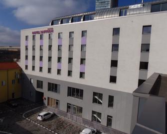 Hotel Saffron - Bratislava - Gebouw