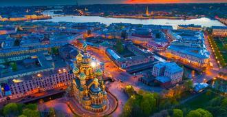 So/ Saint Petersburg - סנט פטרסבורג - נוף חיצוני