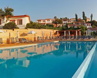 Belvedere Aeolis Hotel - Míthymna - Zwembad