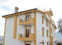Rocca di Monreale - Monreale - Building