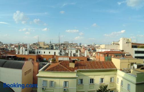 Hostal Santillan - Madrid - Outdoor view