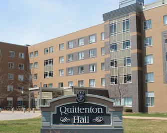 Residence & Conference Centre - Windsor - Windsor - Building