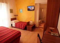 Hotel Nuova Graziosa - Lignano - Schlafzimmer