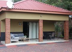 Sweet Holiday Homes - Victoria Falls - Patio