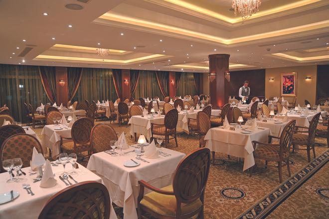 Alexander The Great Beach Hotel - Paphos - Banquet hall