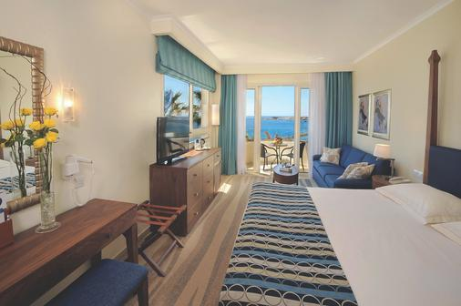 Alexander The Great Beach Hotel - Paphos - Phòng ngủ