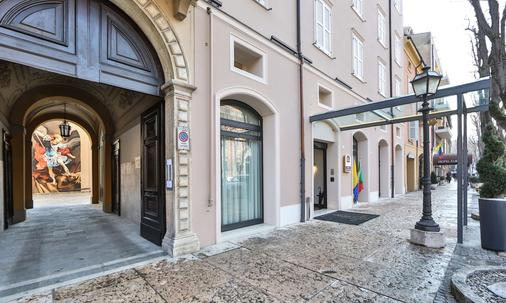 Best Western Premier Milano Palace Hotel - Modena - Building