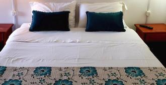 Hostal Costa Patagónica - Puerto Natales - Bedroom