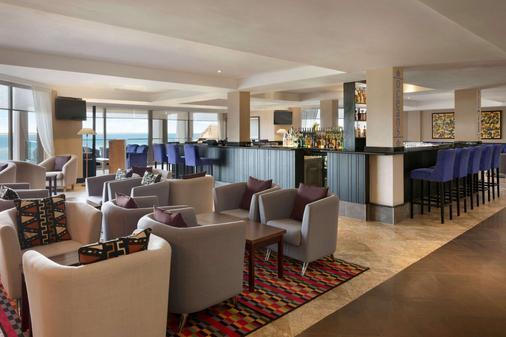 Ramada Resort by Wyndham Dar es Salaam - Dar es Salaam - Bar