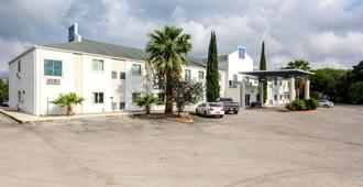 Motel 6 New Braunfels - New Braunfels - Edificio